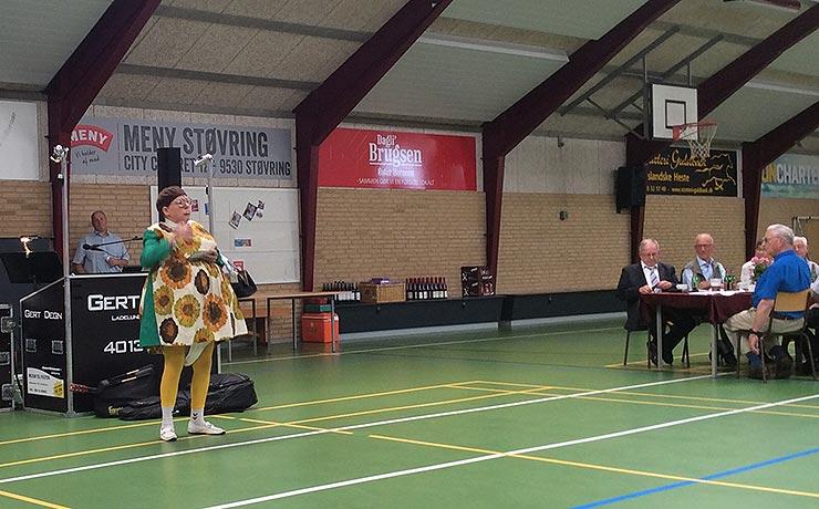 Danske seniorer til Sommerfest i Øster Hornum