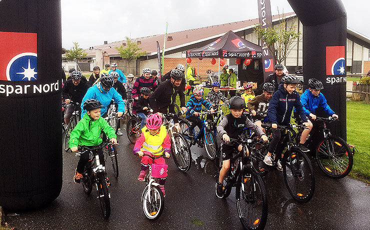 Små og store cyklister trodsede regnvejret