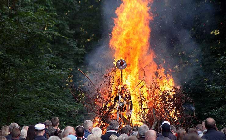 Fester for Sankt Hansi byen og i landsbyer