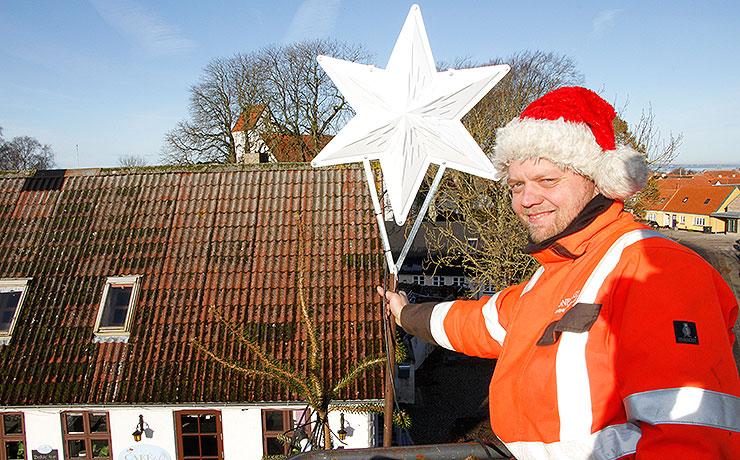 December: Så skal der lysi Nibes store juletræ