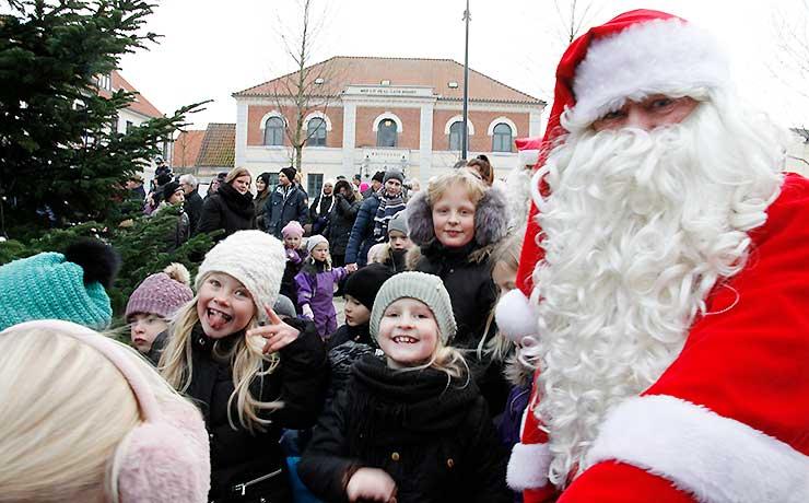 Stor interesse og opbakning til julemændenes indtog i Nibe