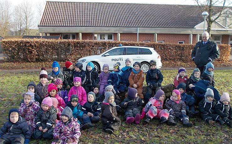 Politiet på besøg i Børnehaven Dragehaven