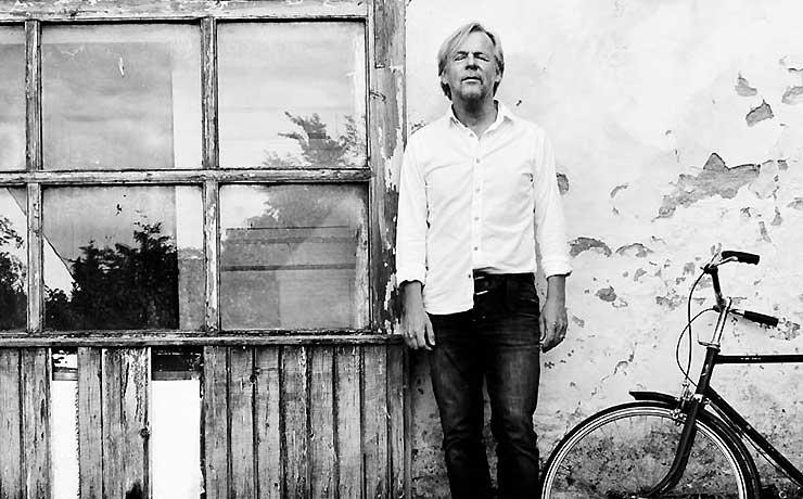Singer-/song writer runder to skarpe hjørner