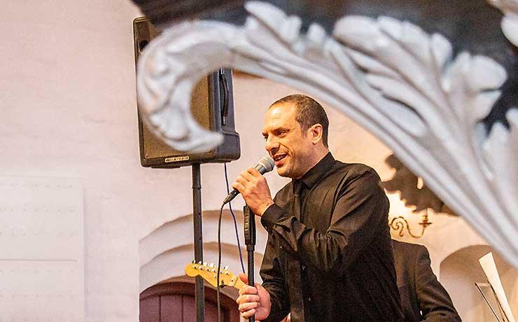 Veloplagt Bobo Moreno julehyggede i Nibe Kirke