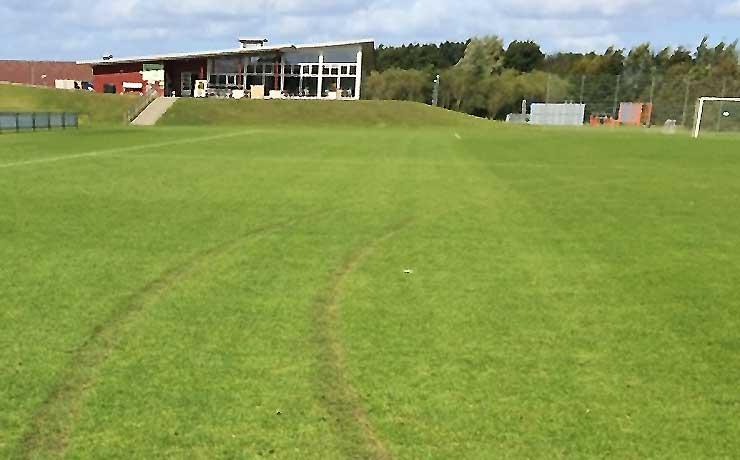 Nyt baneræs på Nibe Boldklubs fodbold bane