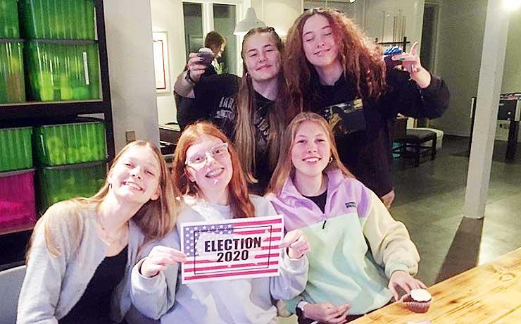 Frejlev: 40 elever fik amerikansk valgaften i ungdomshuset
